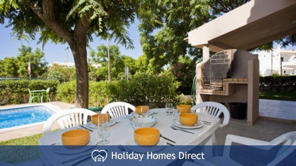 Villa Andrea outdoor dining area
