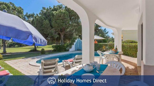 Villa Casa Azul Private swimming pool and table