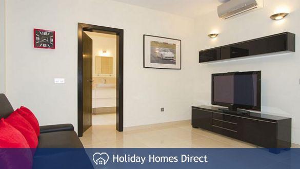 Villa insignia spare room with a tv in Lanzarote