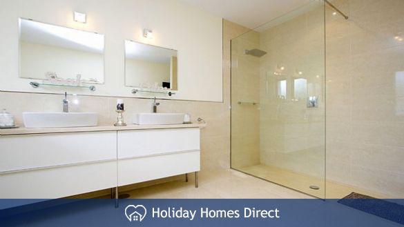 Villa insignia bathroom and shower in Lanzarote