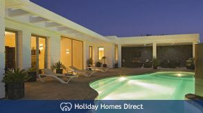 Villa Insignia With Private Pool, Puerto Del Carmen, Lanzarote