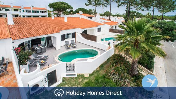 Villa Lilly villa back entrance on the Algarve