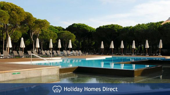 Pine Cliff Terrace public Pool in Portugal