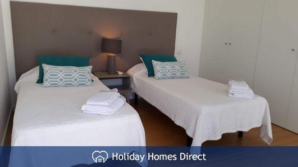Villa Fatima two single beds in the Algarve