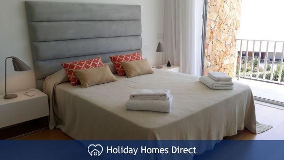 Villa Fatima master bedroom in Portugal
