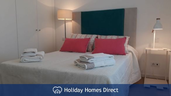 Villa Fatima double bed and towels