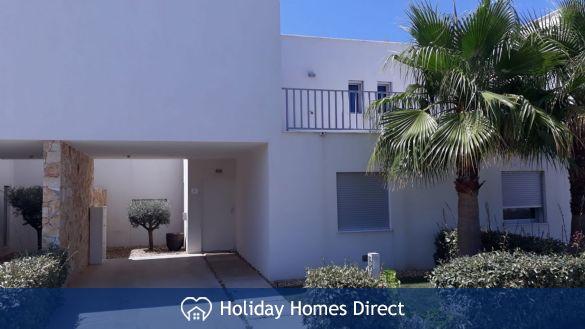 Villa Fatima front entrance in the Algarve