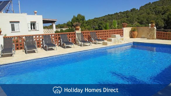 Holiday House Anromi