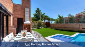 Holiday House Avets