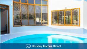 Holiday House Ixia