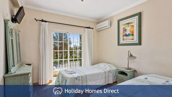Villa Flora spare bedroom on the Algarve