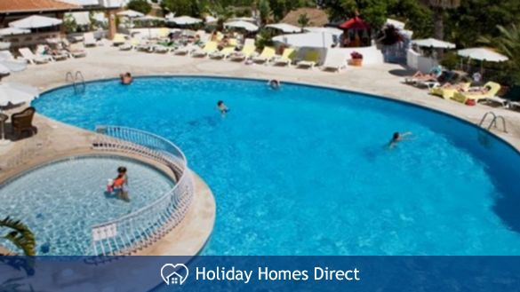Four Seasons Fairways Main Pool Area