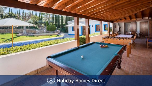 Private Pool Table In Casa English on the Algarve