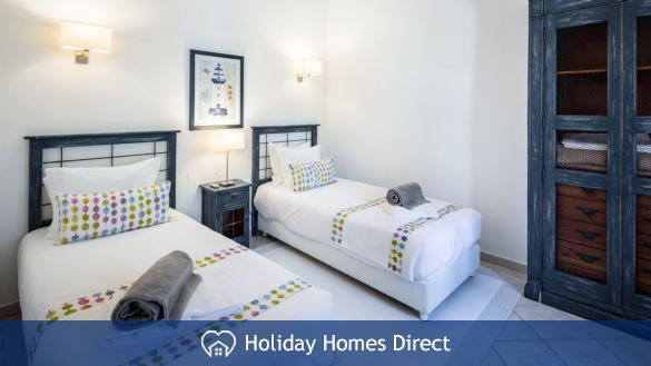 Spare Bedroom In Casa English on the Algarve