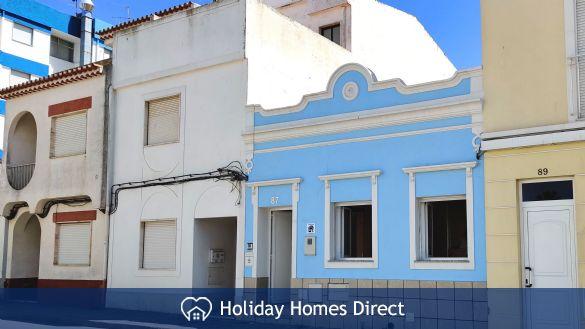 Casinha Azul, Blue House
