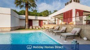 Villa 302, Vale Do Lobo. 4 bedroom villa with private pool