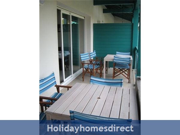 4 Star Apartment: Exclusive, Idyllic, Close To Nature, Pool, South France Coast: Balcony - Terrasse