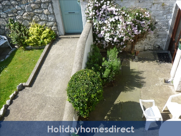Charming Sandymount Seaside Location Just 10 Minutes From  Dublin  City Centre  Tourist Board Approved Pet Friendly Garden 2 Bed Apt. Free Wifi & Sky: private entrance  ideal for Covid safety.