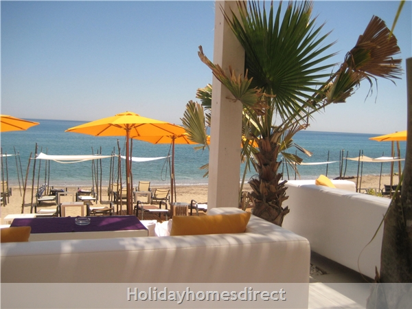 Stunning Sea-views Luxury Apartment.  Spanish Tourism Registered.  Free Wifi.  5 Minutes  Walk  Playa And Beaches, Uk Tv.: Typical Beachbar