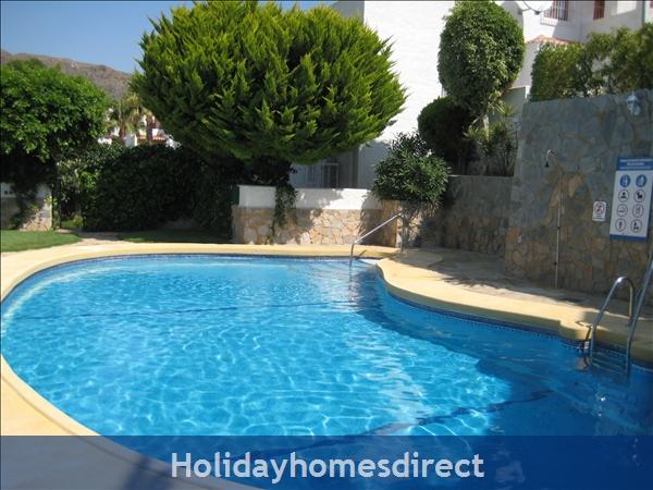 Spanish Tourism Approved Apt. That Feels Like A Villa!  Pool. Aircon ,free Wifi, Uk Tv Rte,  5 Mins Walk To Blue Flag Beaches, Restaurants, Shops Etc: Image 40