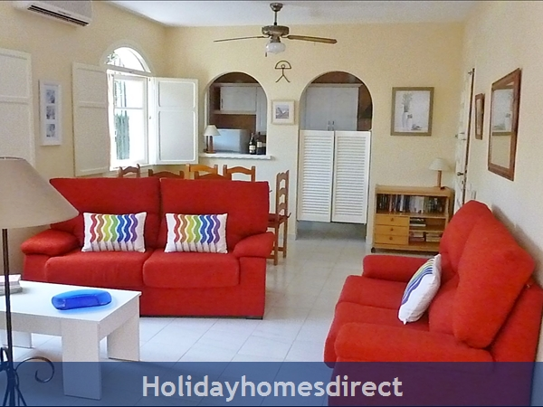 Mojacar Playa Spacious garden Apartment 5 mins.wal
