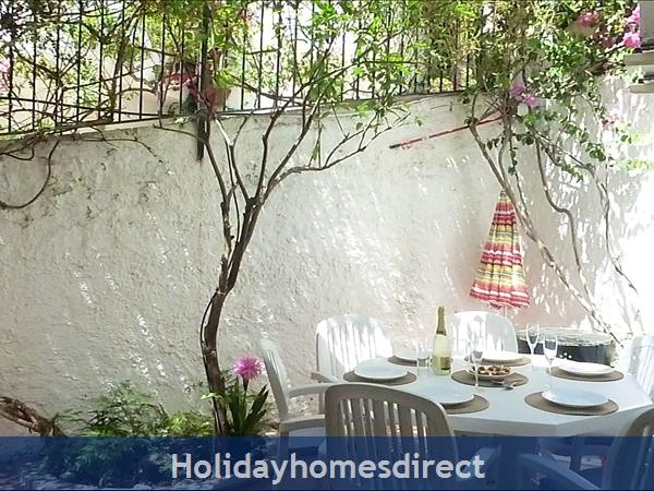 Spanish Tourism Approved Apt. That Feels Like A Villa!  Pool. Aircon ,free Wifi, Uk Tv Rte,  5 Mins Walk To Blue Flag Beaches, Restaurants, Shops Etc: Image 38