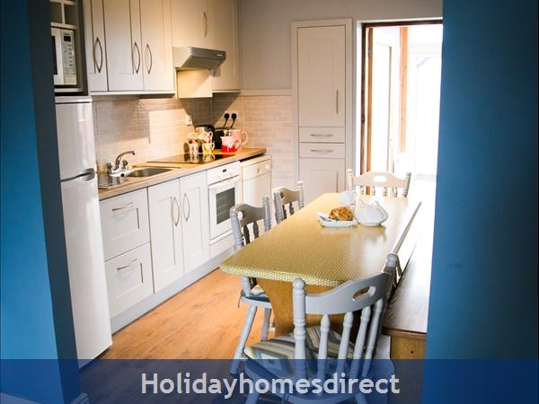 Pebble Beach, Sligo: Modern Kitchen