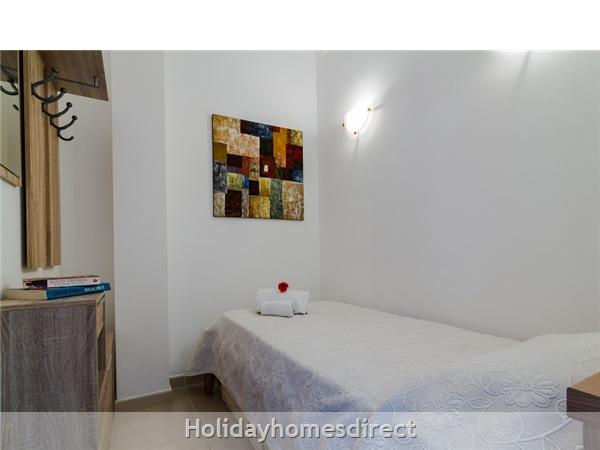 Solário De São José - Superb Albufeira T2+1 Apartment, Central Albufeira: Bedroom 3