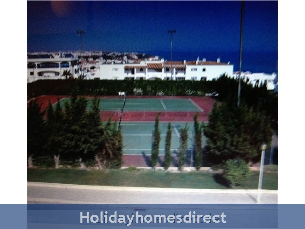 Windmill Hill, Albufeira, Algarve, Portugal: Tennis courts at Windmill Hill