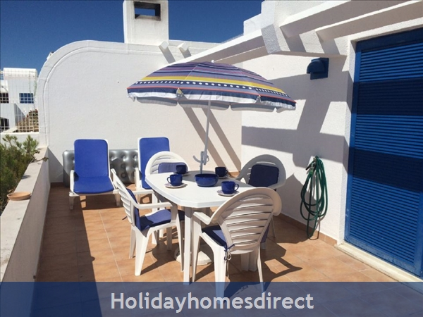 Windmill Hill, Albufeira, Algarve, Portugal: Terrace with built in BBQ