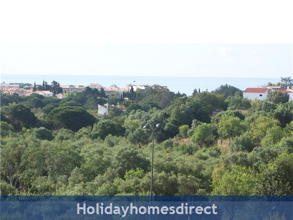 Parque Da Corcovada Luxury 2 Bedroom Apartment, Algarve: View from Kitchen