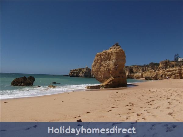 Ponta Grande, Sao Rafael, 2 Bedroom, 2 Bathroom Algarve Holiday Home: Image 8