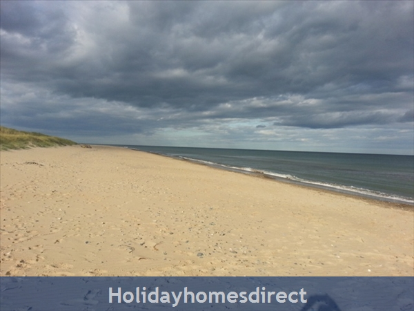 6 Bedroom House With Private Beach Access In Stunning Location: Image 35