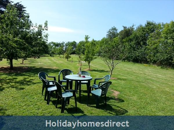 6 Bedroom House With Private Beach Access In Stunning Location: The Orchard Garden