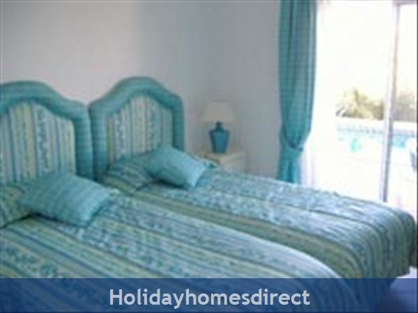 Villa 179, Parque Da Floresta, Western Algarve: Twin room