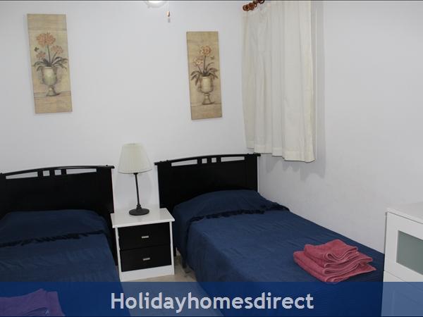 Esmerelda, Fuerteventura Holiday Rental Apartment: Bedroom 2