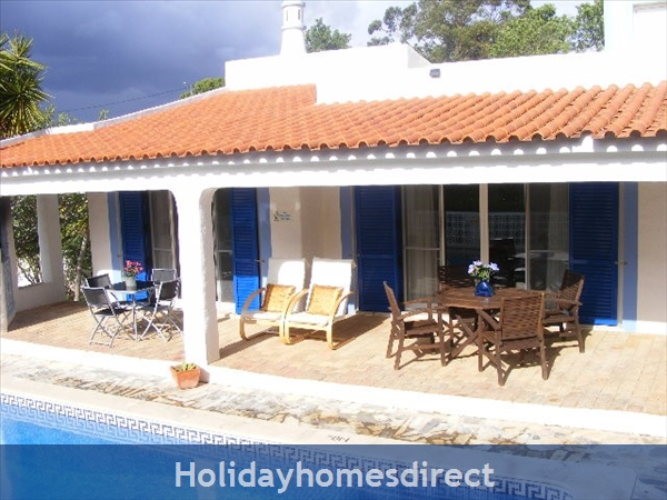 Vila Elizabete Carvoeiro  AL 40133 , close to beach with aircon and internet access.