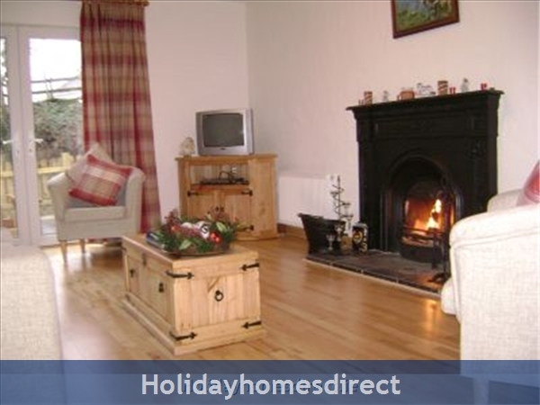 Johns Cottage, Romantic Cottage In Kenmare: Living Area