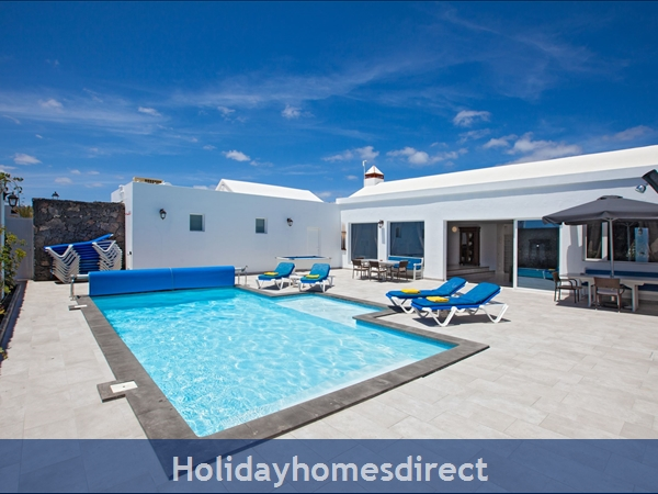 Villa Cartaphilus, Villa Rental Lanzarote , 6 Bedrooms, 4 Bathrooms, Free Air Con/WiFi