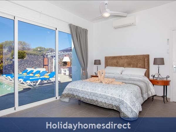 Villa Cristal Ref 10939 Master bedroom Ensuite