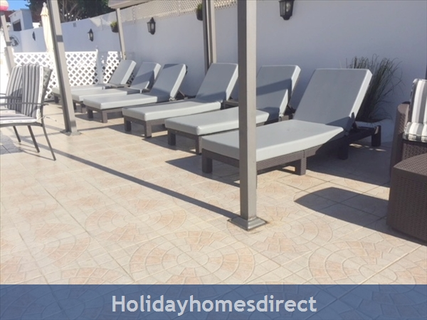 Luxury Tots Safe Villa Visa Accepted Secure Gated Pool Costa Teguise 4 Bed/3 Bath/private Htd Pool/play Area-we Take All Credit Cards For Just 1.5%: deep padded cushions