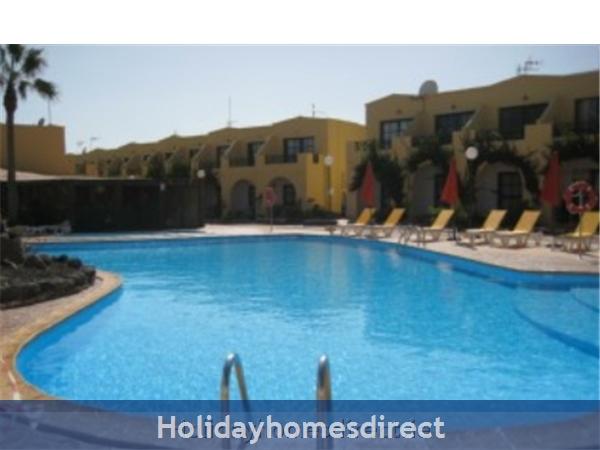 Caleta De Fuste, Fuerteventura: Large Pool