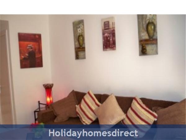 Caleta De Fuste, Fuerteventura: Lounge with new L shape sofa