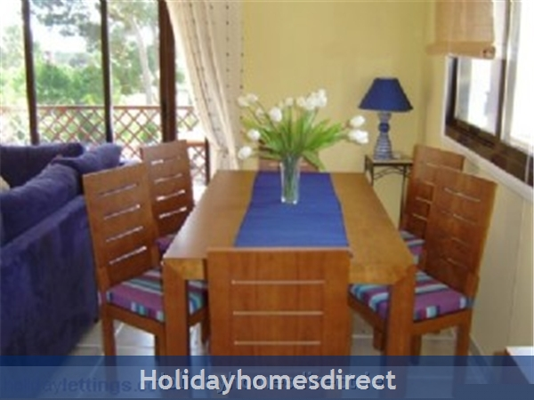 Pine Sun Park, 2 Bedroom Apartment, Albufeira (villamoura Area): Dining