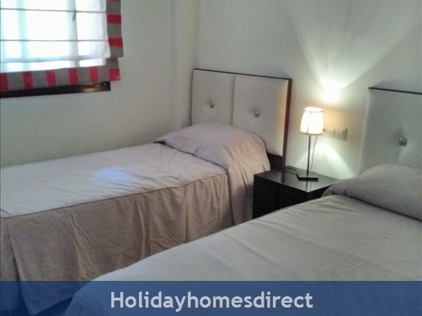 Jardines De La Noria, 2 Bedroom Apartment, Mijas Costa: Twin Room