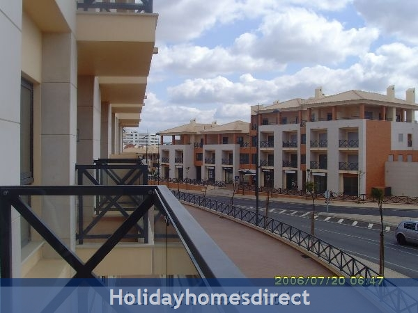 Parque Da Corcovada, 4 Bed Ground Floor Entrance Apartment, Albufeira FREE WIFI