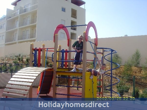 Parque Da Corcovada, 4 Bed Ground Floor Entrance Apartment, Albufeira Free Wifi: Image 4