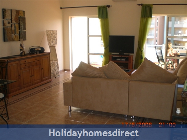 Maralvar, Large 2 Bedroom Apartment, Alvor: Maralvar, Large 2 Bedroom Apartment, Alvor