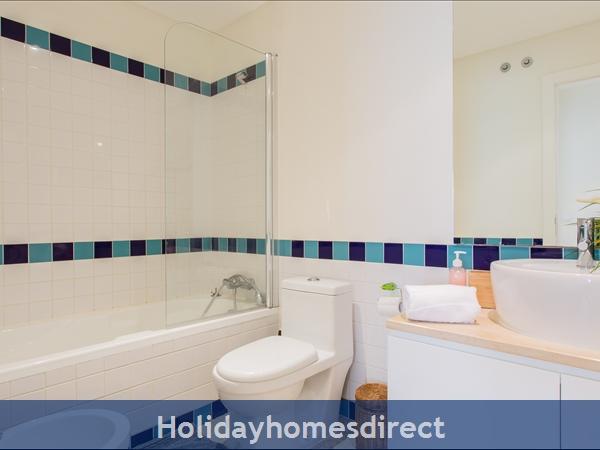 Varandas De Carteia, Apartment 150 Metres From Quarteira Beach: Second Bathroom