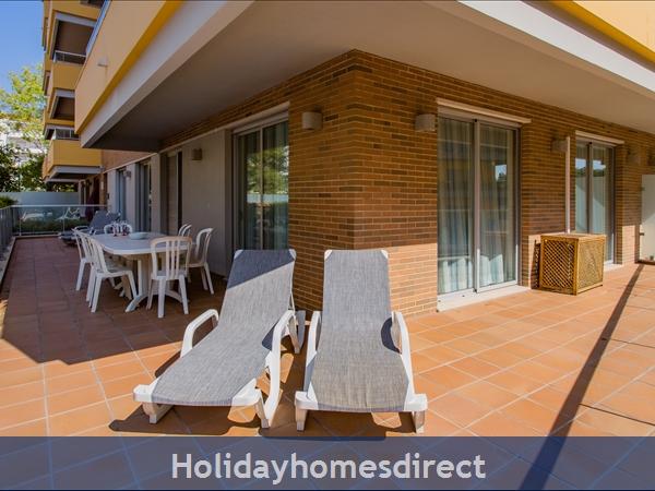 Varandas De Carteia, Apartment 150 Metres From Quarteira Beach: Outside terrace
